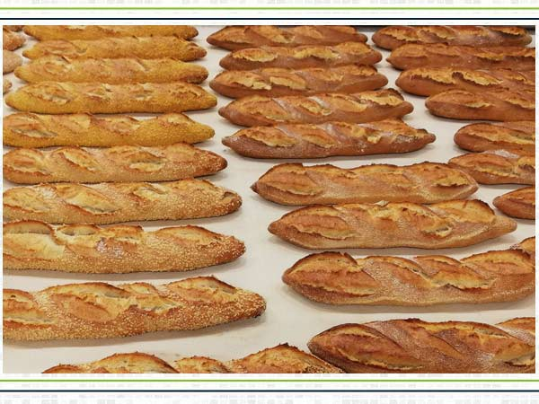 Clean-Ingredients-Baguette-mit-Extrudat-Dekor
